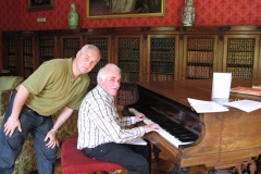 Mick Murphy entertaining us at Bantry House in 2008. Ronnie Herlihy backing him up.